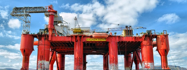 oil-rig-2205542_640